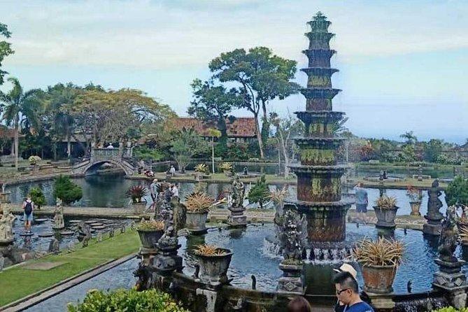 Bali Full Day Tour – Instagram tour the Heaven Gate of Lempuyang Temple