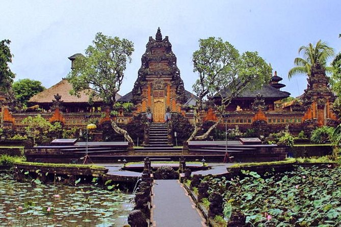 Bali Full Day Tour – Ubud Art Shopping With Tanah Lot Sunset Tour And Dinner