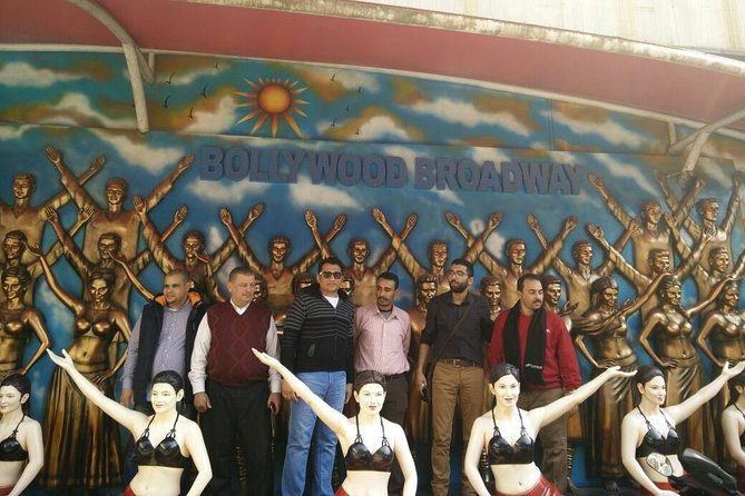 Full-Day Private Slum and Bollywood Tour with Lunch