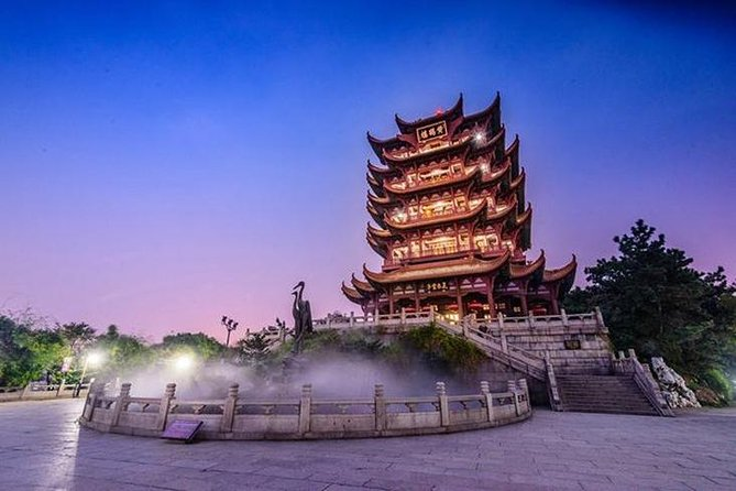 4 hours Walking tour to Wuhan Yellow crane tower and Donghu lake with boat trip