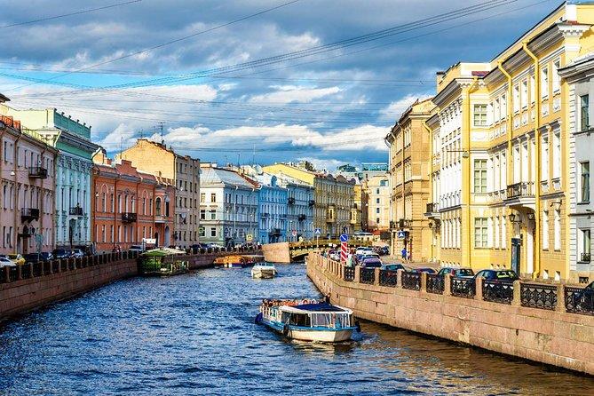 Tour sin visado de San Petersburgo con paseo en barco y tiempo libre
