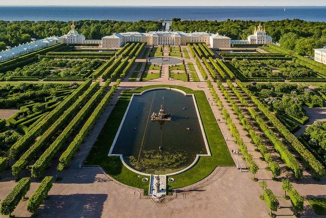 Gran Palacio y Parques de Peterhof - tour privado sin colas