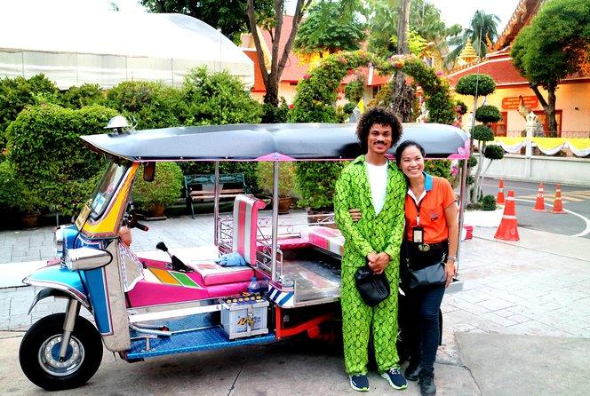 Tuk Tuk Bangkok Tour: WW2 Pad Thai, Chinatown, Wat Pho, 360-Viewpoint & Extra