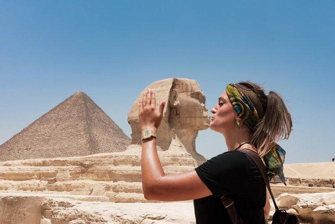 Cairo Private Tour: Giza pyramids & Saqarra tour