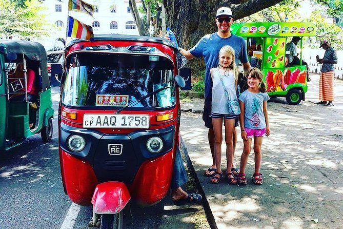 All inclusive - City Tour in Kandy By Tuk-Tuk