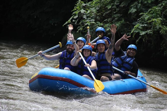 All inclusive: Ayung water rafting, lunch and return private transport