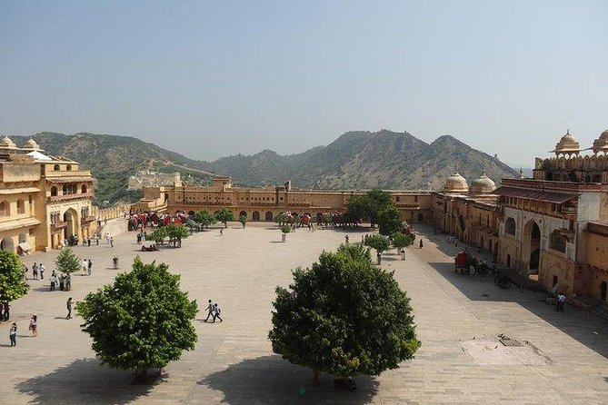 Jaipur - Arrival Transfer from Airport to City Hotel