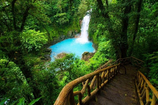Rio Celeste +TUBING (4 People minimum): Wild Life,Lunch,Active Volcano,Waterfall