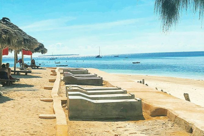 3 Days Private History for Zanzibar: Relax At The Nungwi Beach With Full Luxury!