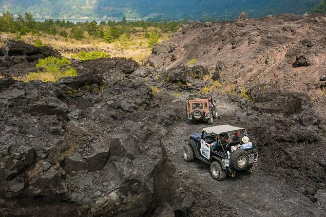 Tour to explore Mount batur with a Jeep Car