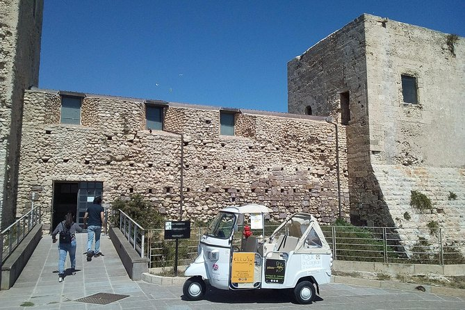 Tour in Ape Calessino (TUK TUK) of the 4 historic districts and castle of S. Michele