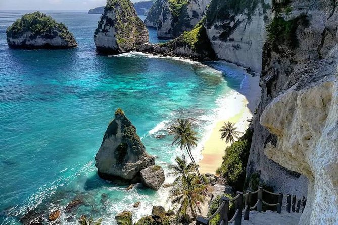 From Bali: Day Trip to East Nusa Penida (Diamond Beach, Atuh Beach, Tree House)
