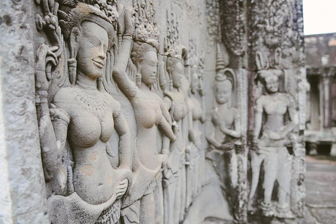 Private One Day Angkor Tour with Sunrise (Guide & Driver)