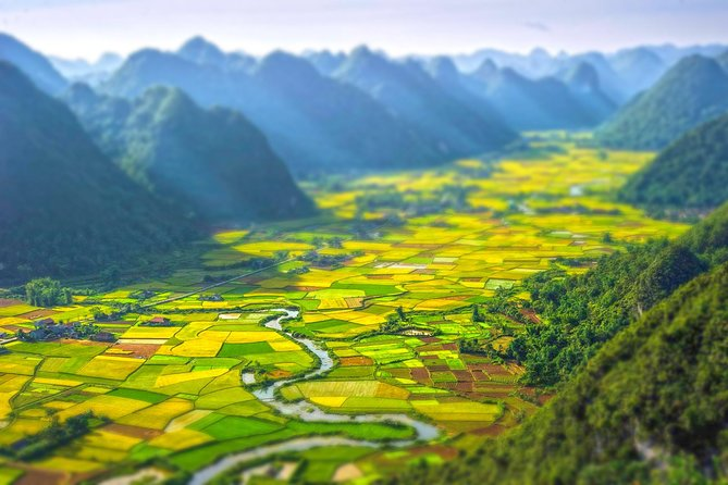 Sapa 2D-1N By Bus & Easy Trekking to Tribe Villages