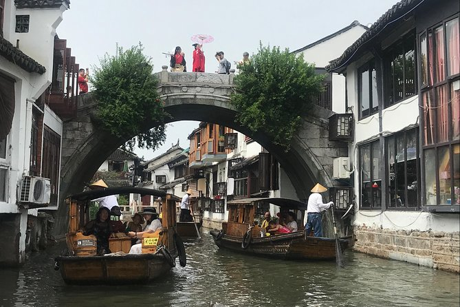 A private full-day tour featuring Qibao Ancient Town and Zhujiajiao Water Town photo 3