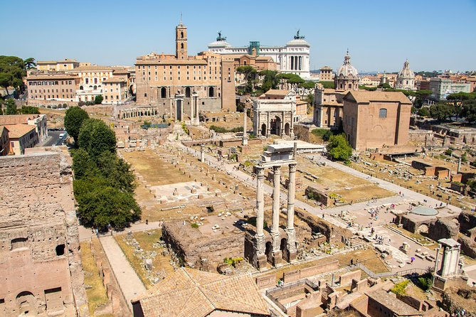 Must Sees in the Heart of Ancient Rome: Walk with a Local