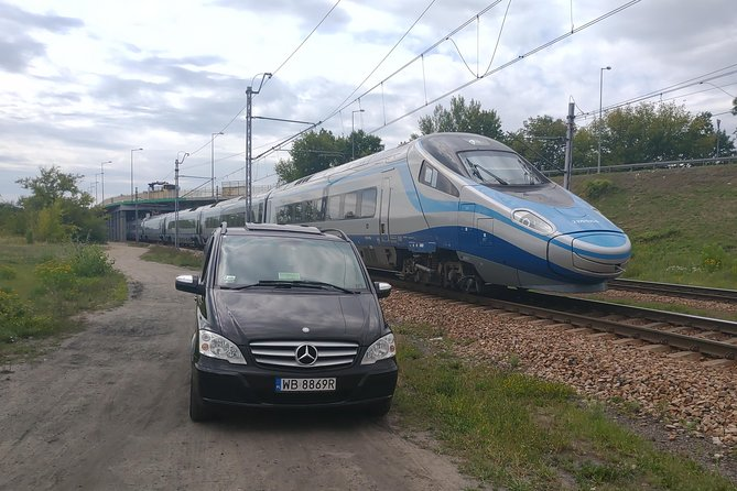 Private transfer Warsaw Railway Station photo 3