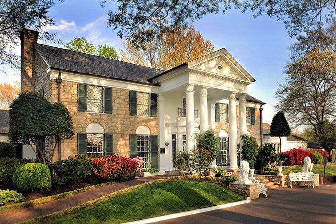 Graceland Round-Trip Shuttle Transportation from Memphis