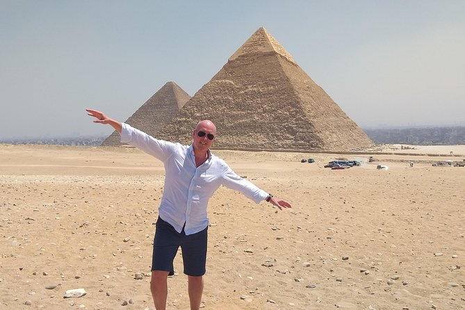 Trusted tour to Pyramids of Giza plateau and Sphinx with Camel ride