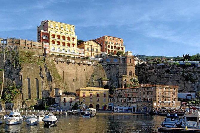 Transfer from Naples to Positano with stop Sorrento or Vice Versa
