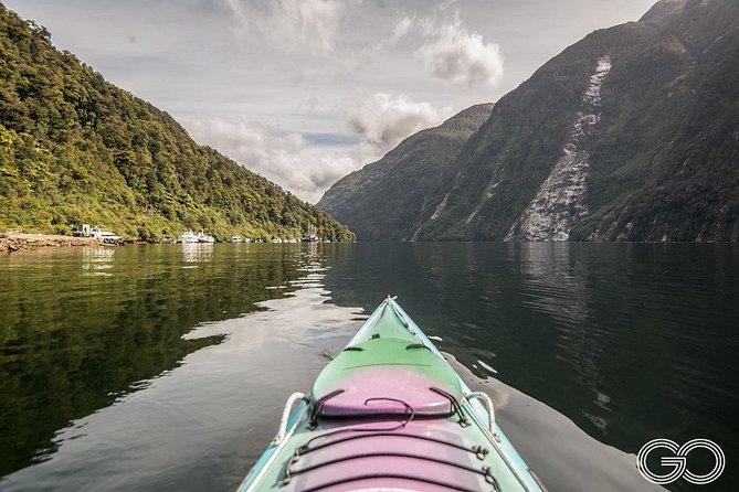 Kayak Doubtful Sound departing Te Anau