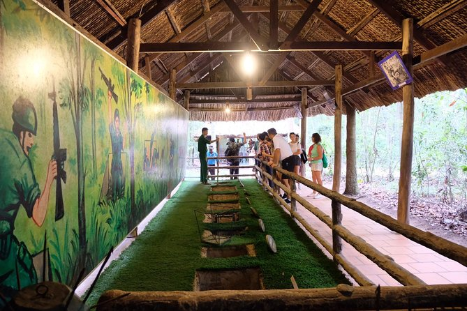 Ho Chi Minh City : Explore Ho Chi Minh City & Cu Chi Tunnel & Water Puppet Show
