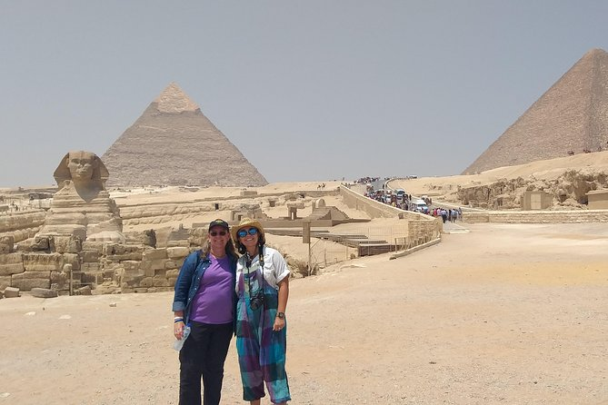 Private Day: Giza Pyramids, Egyptian Museum& The Old Market