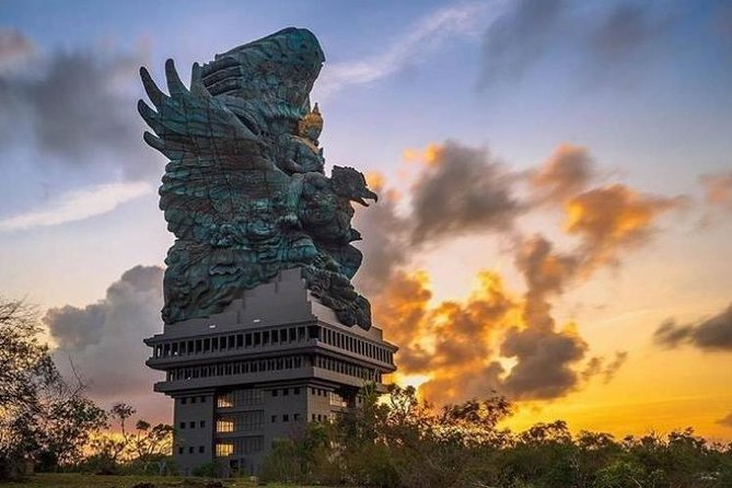 The Great Garuda Wisnu Kencana (GWK) & Uluwatu Romantic Sunset