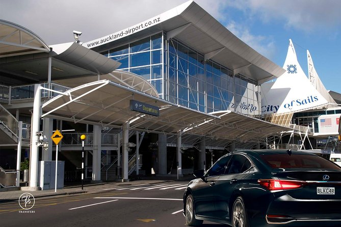 Auckland Airport & Ground Transfers - Private Luxury Car / Van