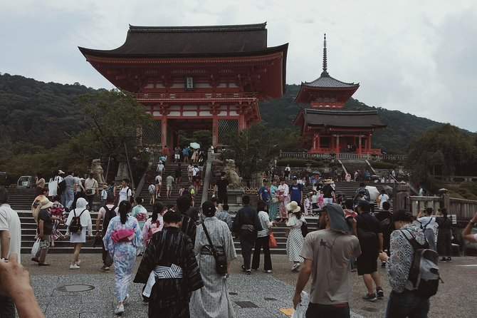 Kyoto's inclusive walking tour with lunch