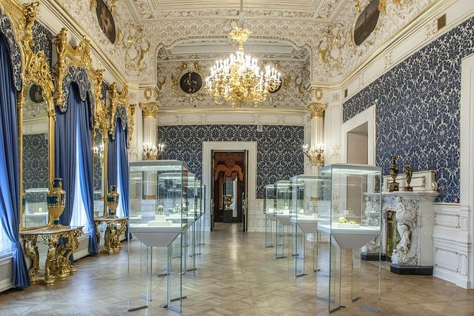 St Petersburg Visa-Free Evening Extension visiting Faberge Museum