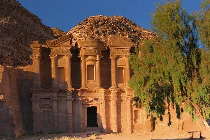 Provide private tour services around jordan