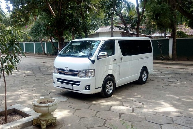 Colombo Airport (CMB) to Vila Aurora, Galle Private Transfer photo 2