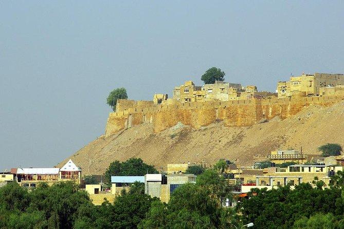 Jaisalmer: Evening Tour of Desert Camel Safari & Haunted Village of Kuldhara