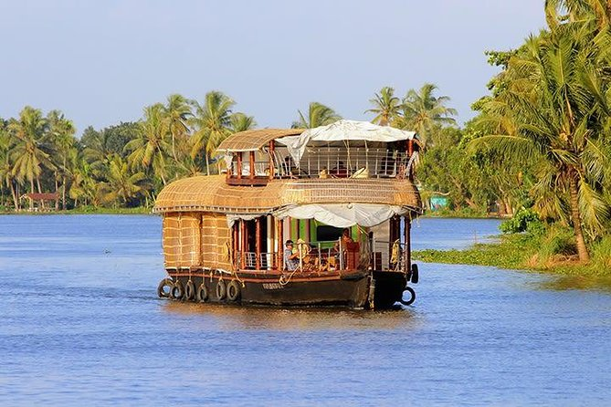 Kerala Hills And Backwater Tour photo 3