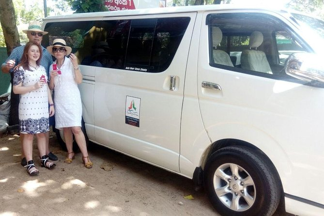 Colombo Airport (CMB) to Vila Aurora, Galle Private Transfer photo 3
