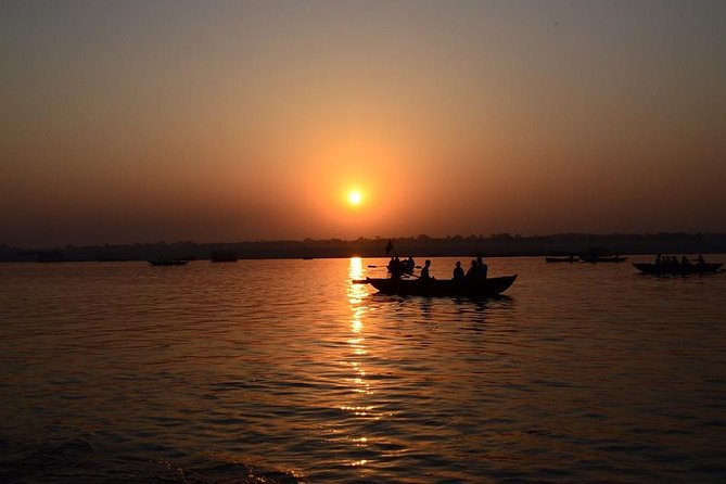 Afternoon tour of Varanasi with Boat ride over Ganges & Dinner on a tuk-tuk photo 1