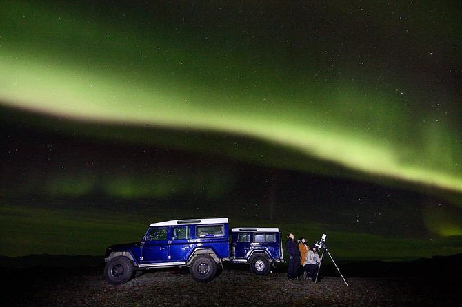 Northern Lights and Stargazing:Small Group Tour with Local Guides from Reykjavik