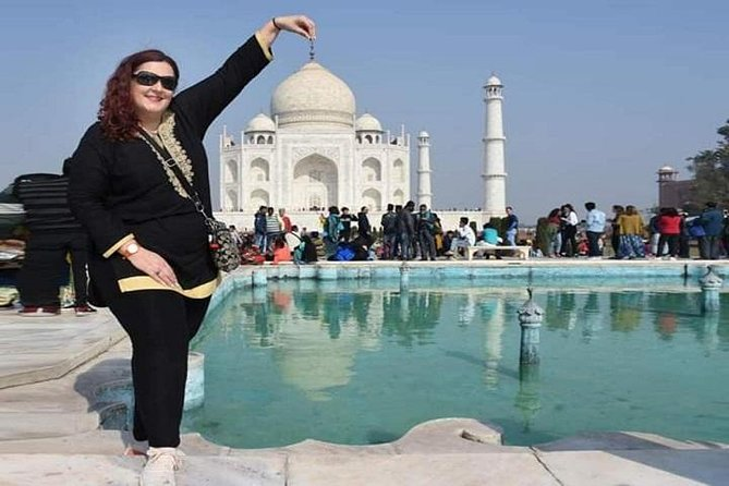 Private Taj Mahal Tour with Professional Photographer - All Inclusive