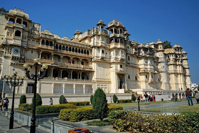Udaipur Full Day Custom Tour with Transfers