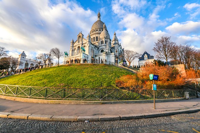 Discover Paris in 90 Minutes with a Local
