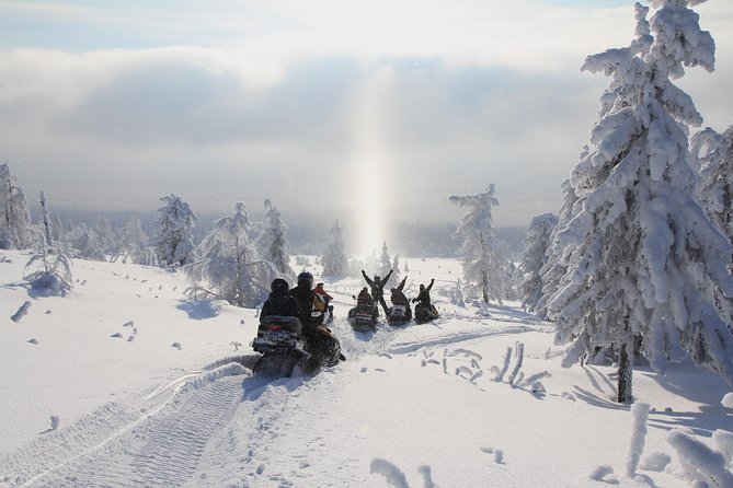Snowmobile Tour to Wilderness Lodge from Rovaniemi