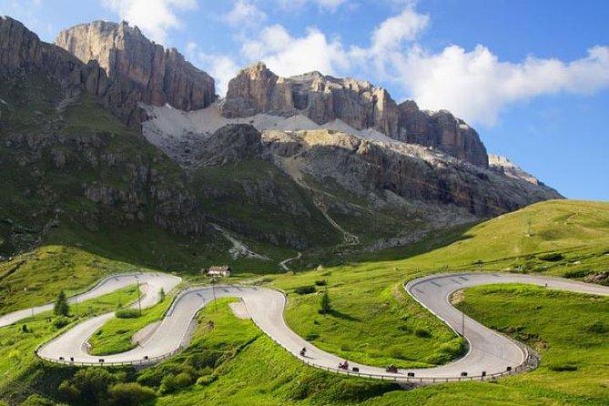 BIKE TOUR ON THE DOLOMITES - SELLA RONDA: Passo Pordoi-Sella-Gardena-Campolongo