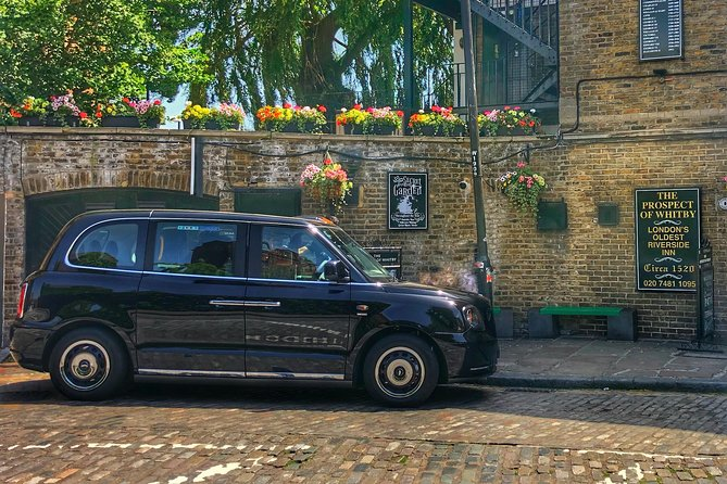 Private London Electric Taxi Highlights Tour with Airport Pick-up photo 9