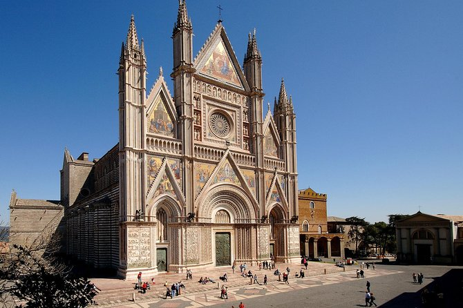 "Full day Excursion to ""Orvieto"" and ""Civita di Bagnoreggio"" from Rome"