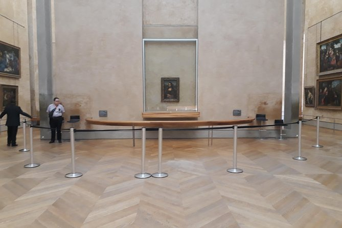 Louvre Museum Private Tour photo 1