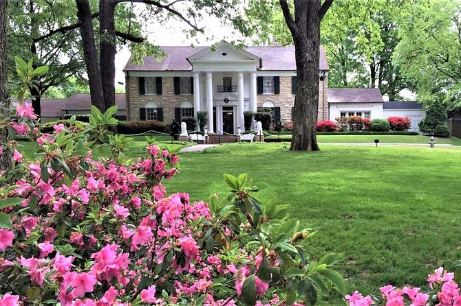 Nashville to Memphis Daytrip with Skip-The-Line Graceland VIP Tour & Sun Studio