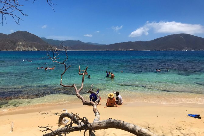 Crystal Beach in Tayrona with foods and accommodation from Cartagena