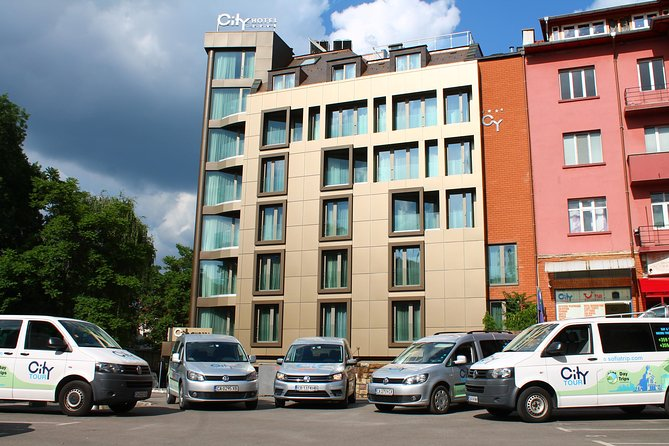 Bansko to Sofia Airport: Small Group Transfer