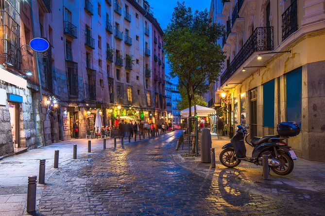 4-Hour Private Night Walking Tour of Madrid: Custom Tour